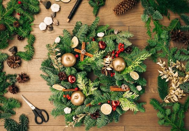 Handgemachter weihnachtskranz neujahr urlaub dekoration weihnachtsbaum kranz dekoration diy