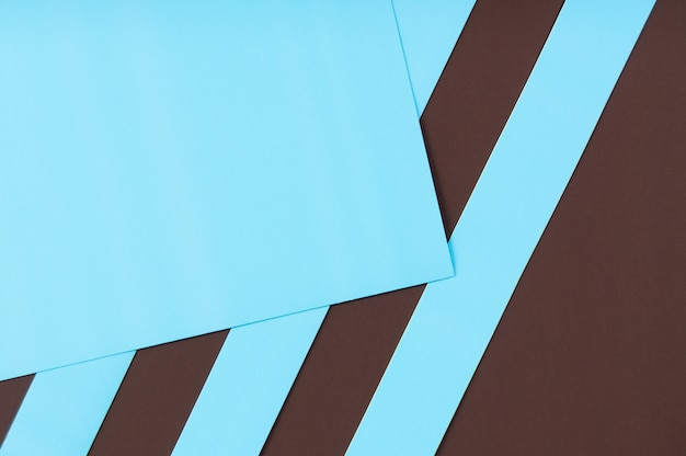 Handgemachtes konzeptionelles modell des blauen papiers für aufschriften.