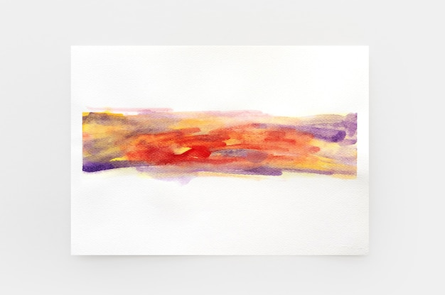 Handgemalter hintergrund des abstrakten aquarells. bunte bunte aquarellpinsel auf weißem papier. nahaufnahme.
