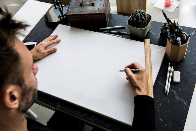 Handprozessschreibtisch zeichnen