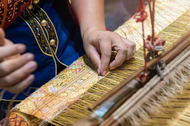 Handweberei, hausgemachte handwebbaumwolle thailand