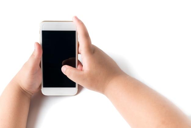 Handy in der jungenhand getrennt auf weiß