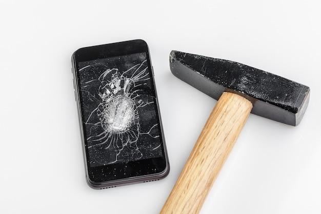Handy mit kaputtem bildschirm