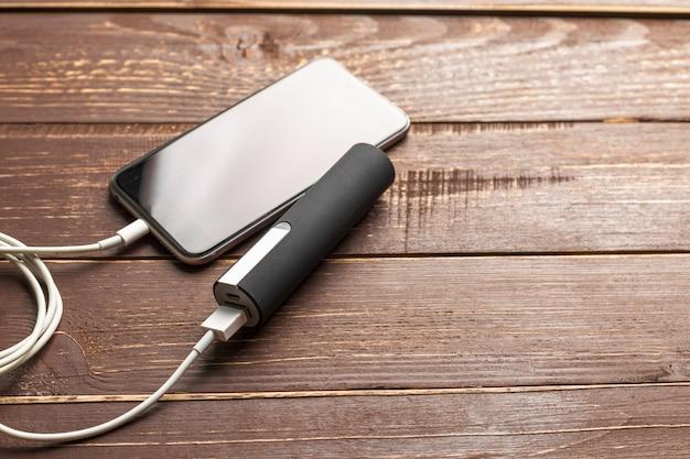 Handy verbinden mit batterieleistungsbank