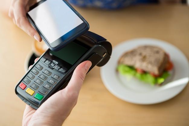 Handzahlung per nfc-technologie