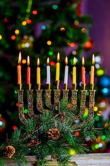Hanukkah menorah jüdisches lichterfest, defokussiertes bokeh,