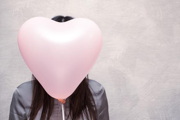 Happy valentinstag konzept kein gesichtskonzept