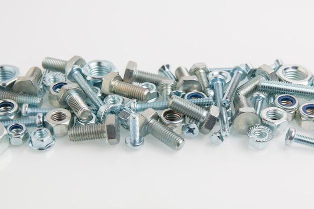 Hardware, bolzen, schrauben und muttern nahaufnahme