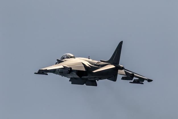 Harrier plus flugzeug