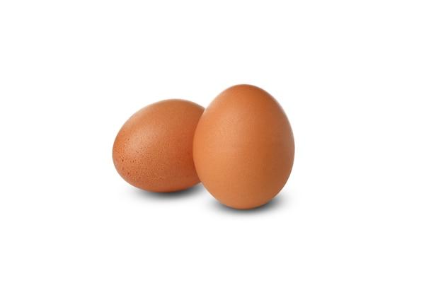Hart gekochte eier isoliert auf weiß