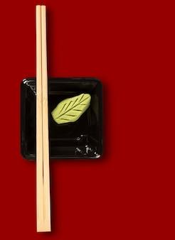 Hashi mit wasabi - japanisches essen