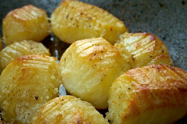 Hasselback-kartoffel - schwedische version von ofenkartoffeln.