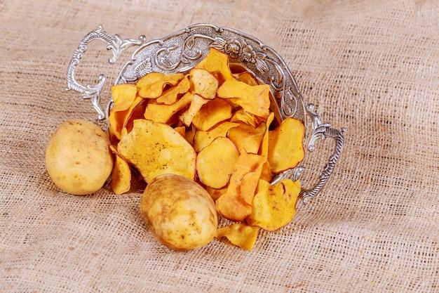 Haufen des paprika-kartoffelchip-hintergrundes