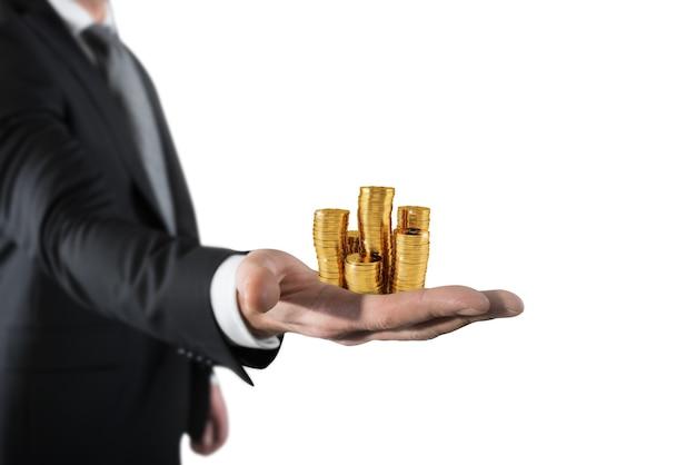 Haufen münzen auf der handfläche
