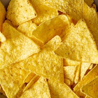 Haufen von herzhaften nachos