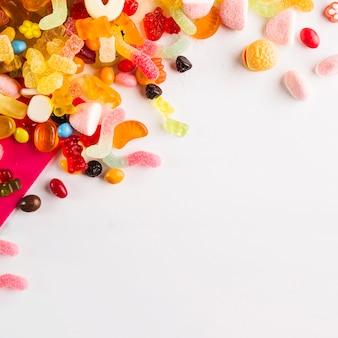 Haufen von schönen süßigkeiten