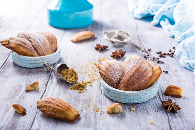 Hausgemachte aniskekse madeleine