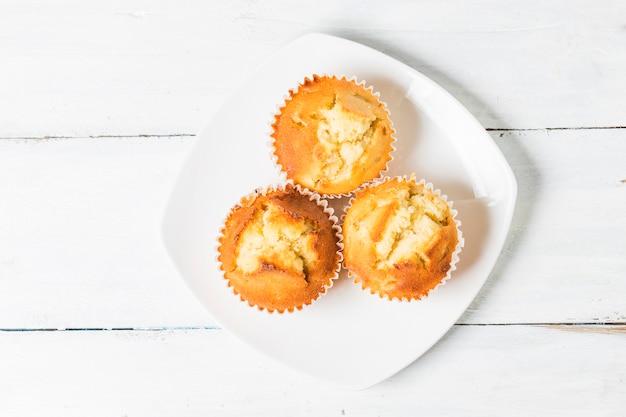 Hausgemachte bananenmutter muffins bereit zu essen