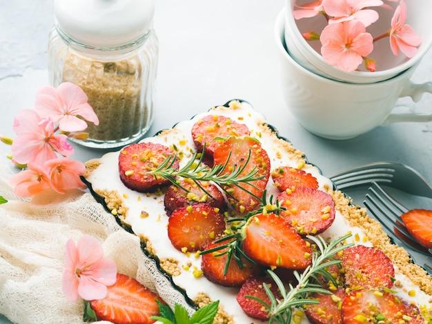 Hausgemachte erdbeere nicht käsekuchen gebacken
