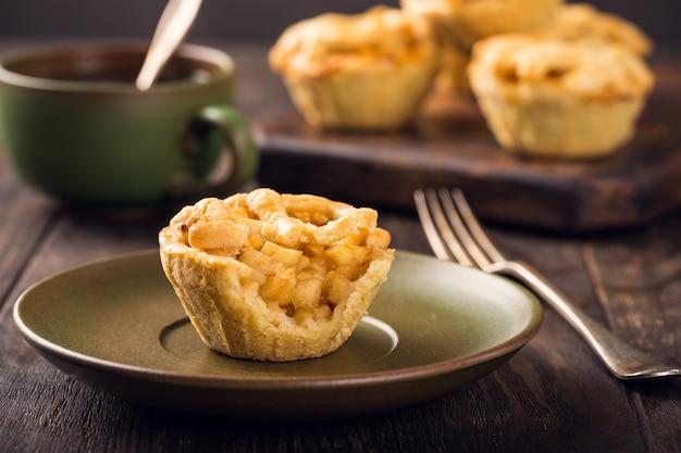 Hausgemachte mini-apfelkuchen