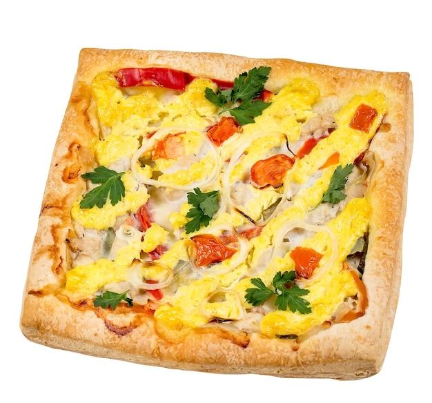 Hausgemachte pizza lokalisiert auf einer weißen oberfläche.