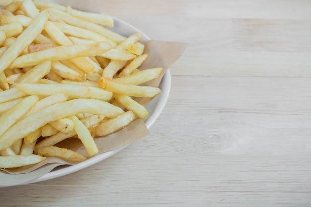 Hausgemachte pommes-frites-kartoffeln