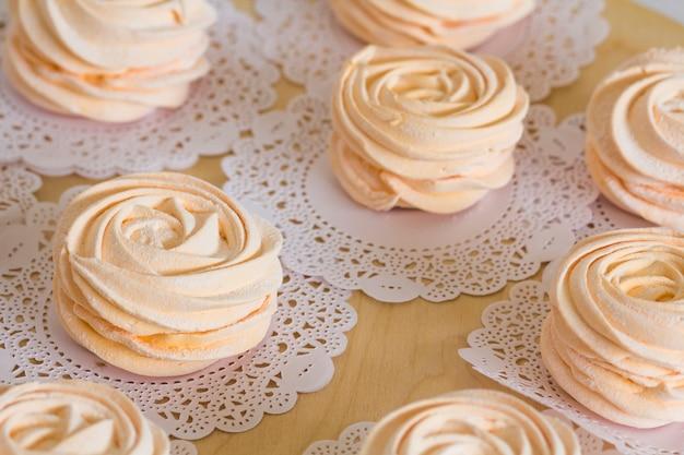 Hausgemachte rosa marshmallows