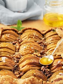 Hausgemachte saisonale französische apfel galette