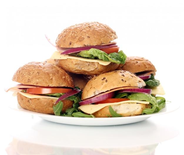 Hausgemachte sandwiches isoliert auf weiß