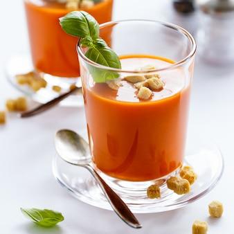 Hausgemachte tomaten suppe