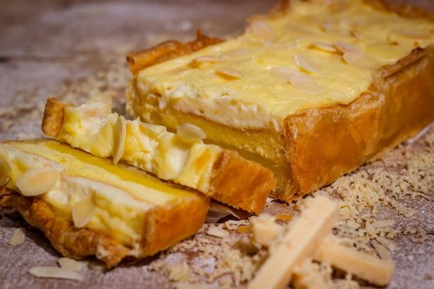 Hausgemachter käsekuchen mit leckerem geschmack