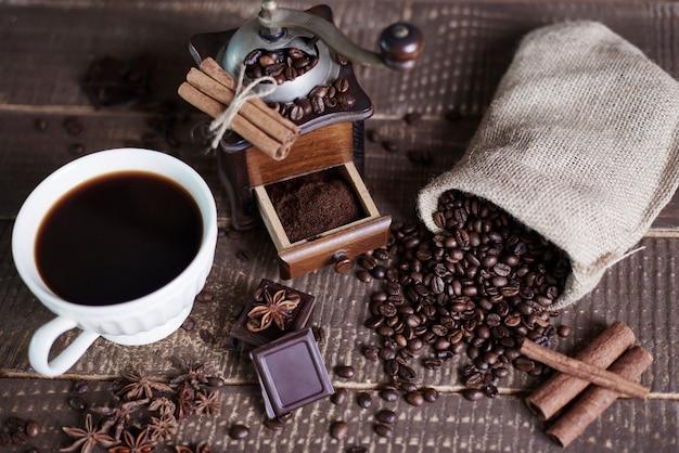 Hausgemachter schwarzer kaffee ist wunderbar