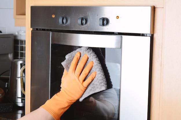 Haushaltsputz-reinigungsofen zu hause küche