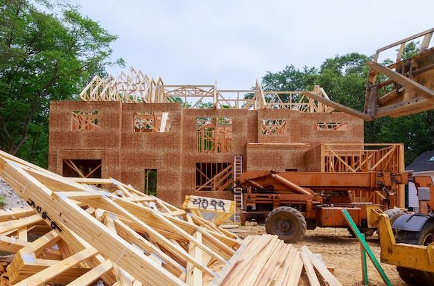 Hausholzrahmen für ein fertighaus eines neubauholzes
