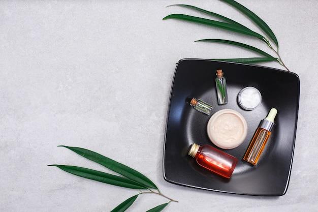 Hautpflege-schönheitsprodukte, hyaluronsäure, gesichtsserum in der durchstechflasche