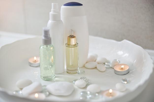 Hautpflegeprodukte und zubehör für spa-behandlungen