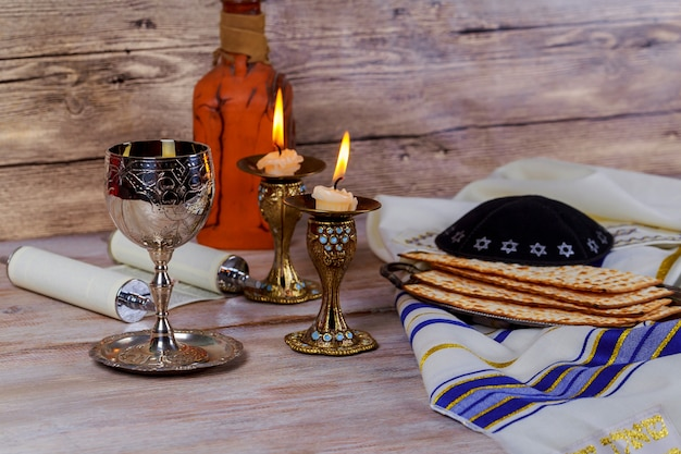 Havdala-zeremonie am ende des jüdischen samstags