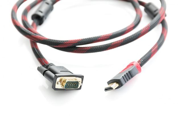 Hdmi-kabel und vga-kabelverbinder auf weiß