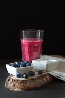 Heidelbeer-erdbeer-smoothie