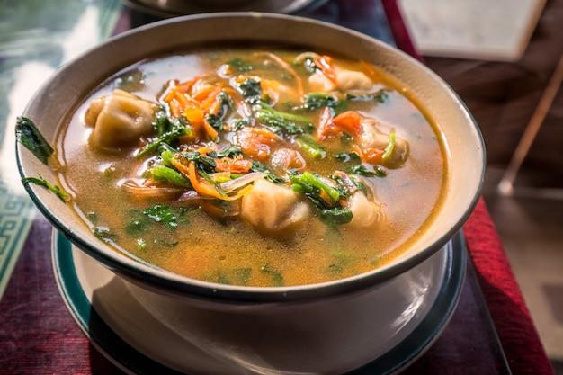 Heiße leckere suppe