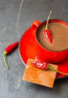 Heiße schokolade mit pfeffer