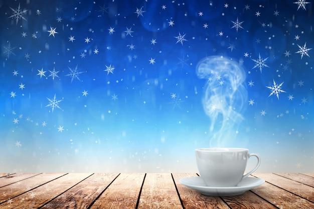 Heißer kaffee auf dem tisch im winter