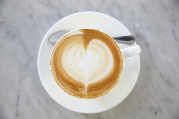Heißer latte-kaffee