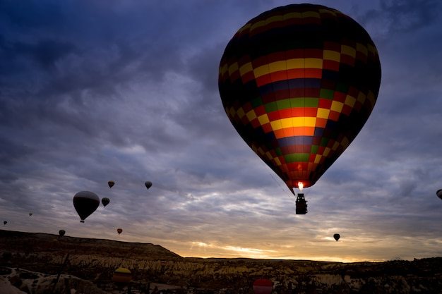 Heißluftballon, cappadocia die türkei