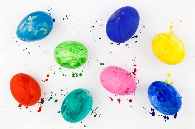 Hell gefärbte eier