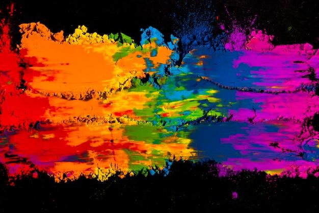 Hell verschmierte bunte holi-farbe
