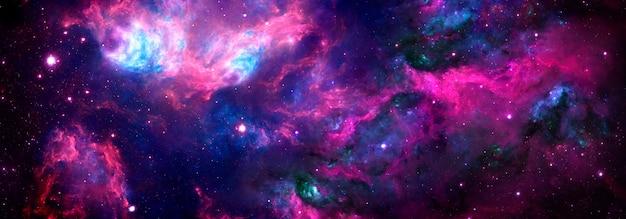 Hellblau-violetter kosmischer hintergrund mit nebel und sternenstaub