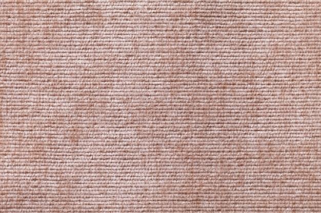 Hellbraun aus einem weichen textilmaterial.