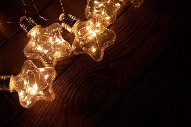 Helle leuchtende weihnachtsgirlande