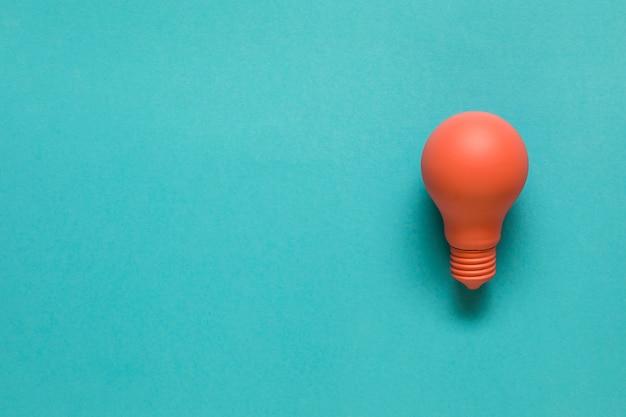Helle orangefarbene glühbirne